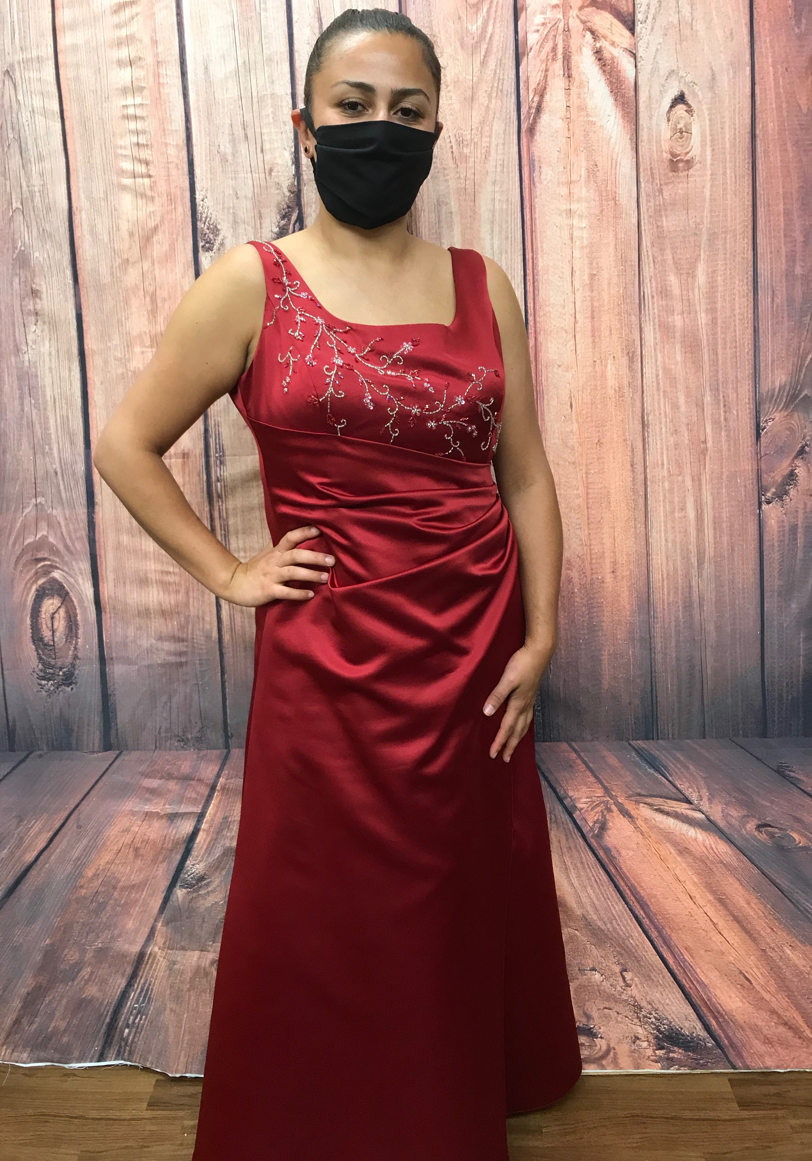 Lange Kleider & Abendmode ✭ bei Glad Rags Kostümverleih