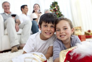 Wie die Kinder Oma und Opa zu Weihnachten überraschen können