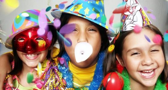 Auch die Kleinen feiern: Kinderfasching mit Kostümen für die Kleinen