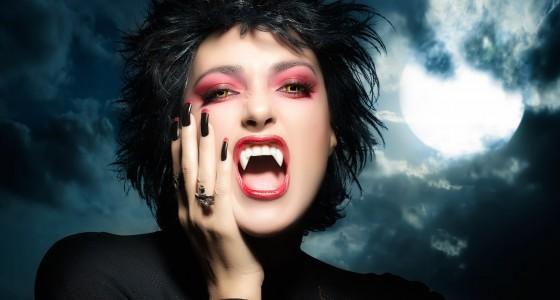 Schminken als Vampir: So einfach geht's